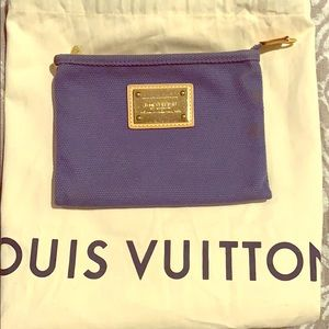 Louis Vuitton 💙Antigua💙 Pochette